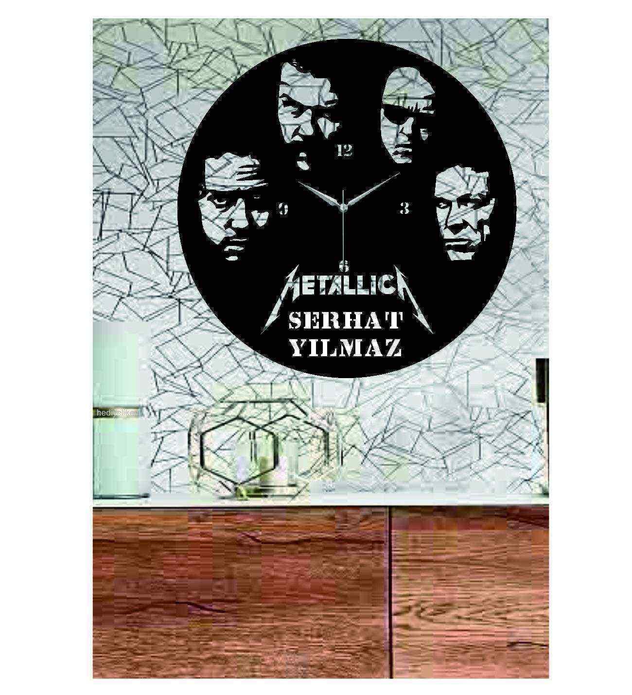 Kişiye Özel İsimli Metallica Temalı Dekoratif Ahşap Duvar Saati